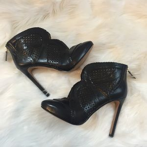 EUC Nine West Booties